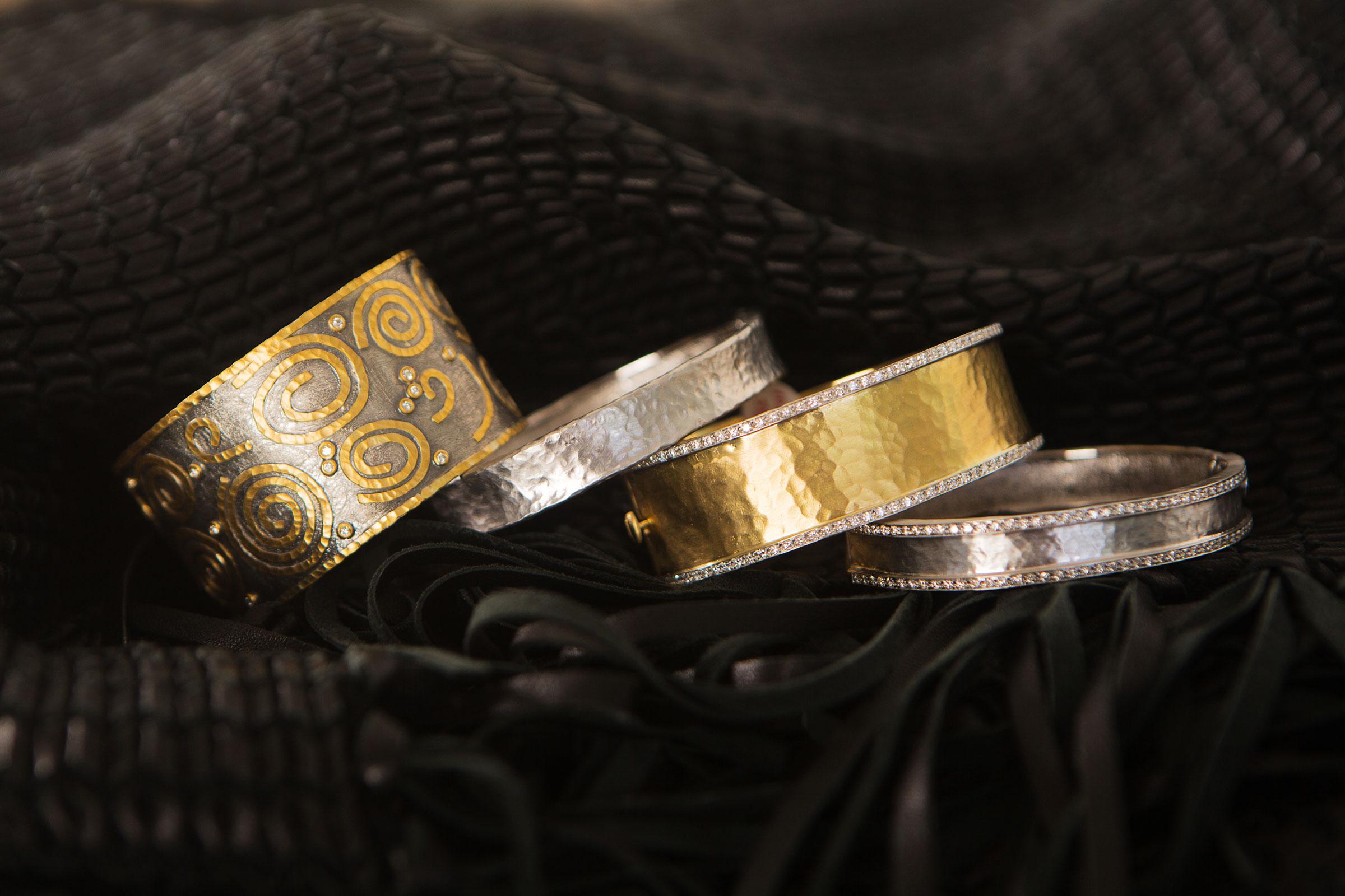 gold-bracelets3.jpg