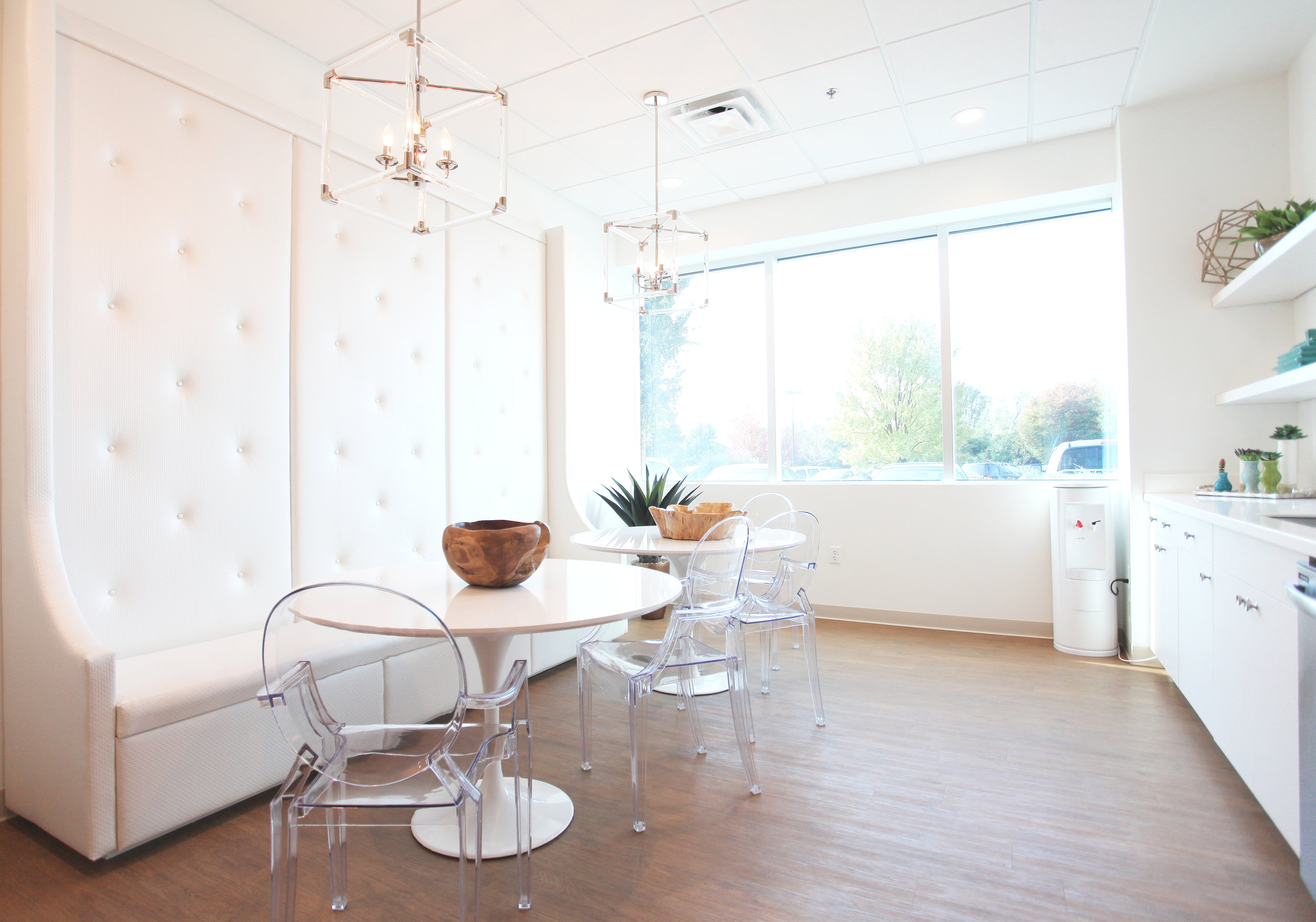 Create bright and airy photographs. // For DRS Inc. featured in The Voice Tribune