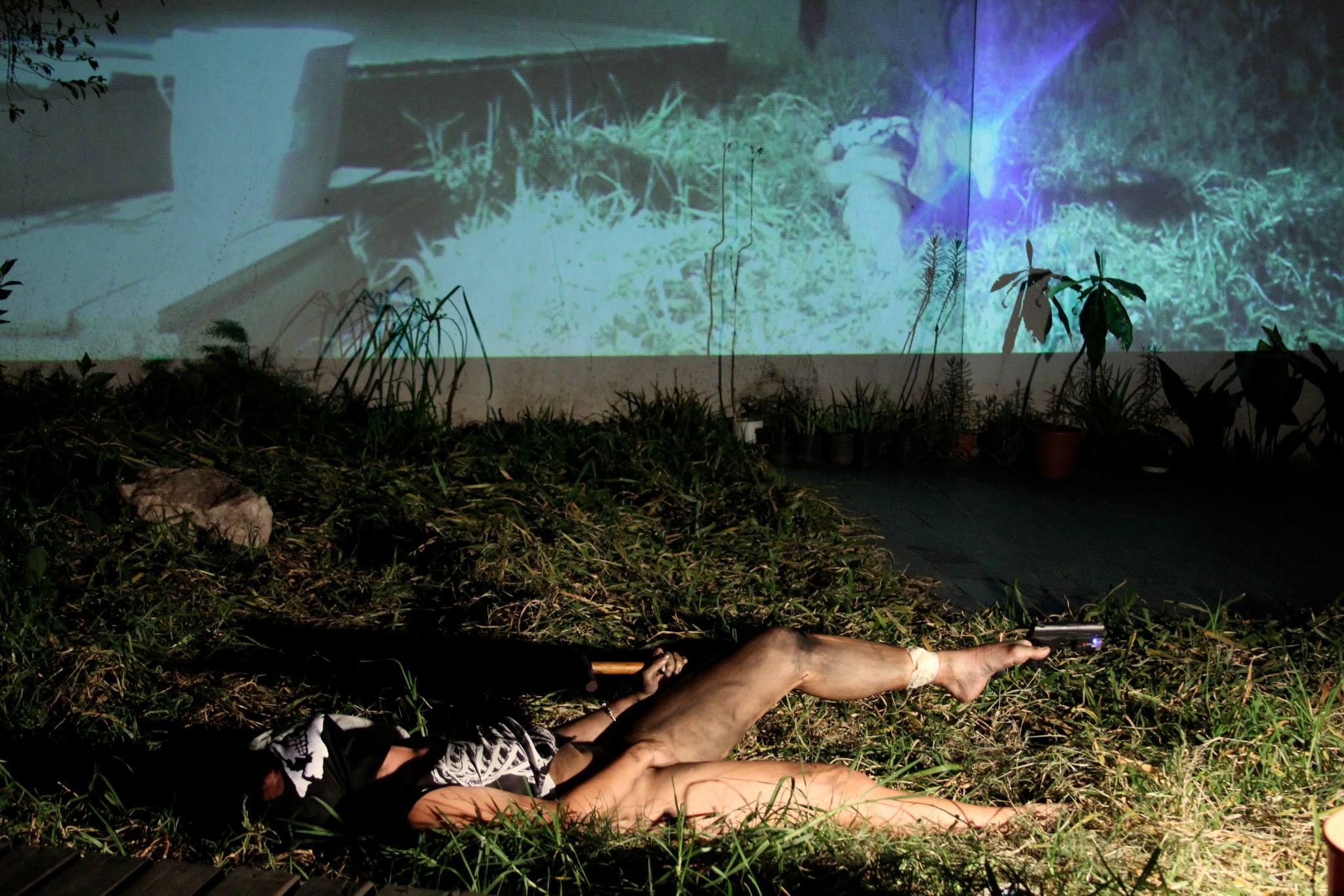 Jazmin Ramírez, Gatillar: FALO x FALO en Residencia, Resistencia, Resiliencia. curaduría HGJ/ PAIAP, Peras de Olmo, Serie Open Fields. Buenos Aires. September 2015
