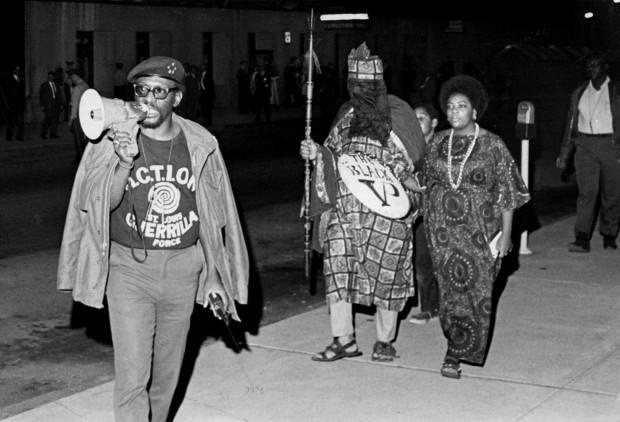 Activistas negros boicotean el acto