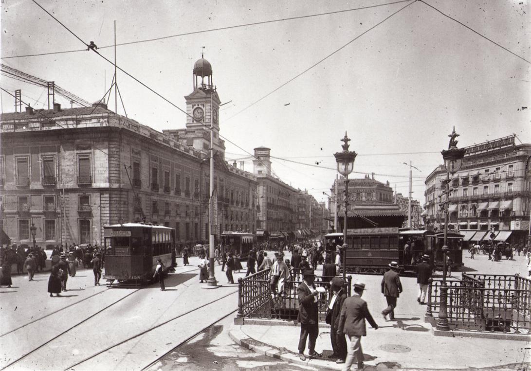 Aspecto de la Puerta del Sol en la época en que Crowley visitó Madrid