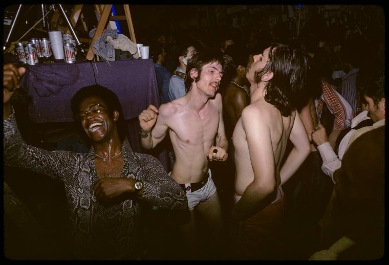 Baile del Gay Activists Alliance (Firehouse, 1971). Fotografía de Diana Davies