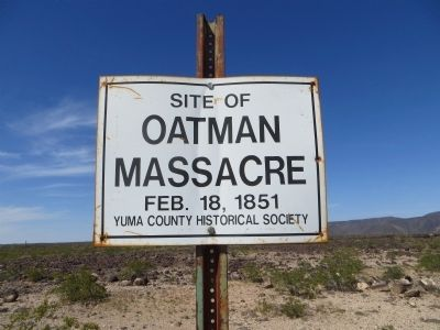 Cartel actual en referencia a la masacre de la familia Oatman