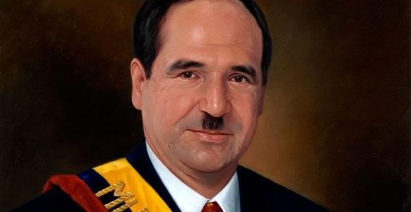 Abdalá Bucaram en un retrato presidencial