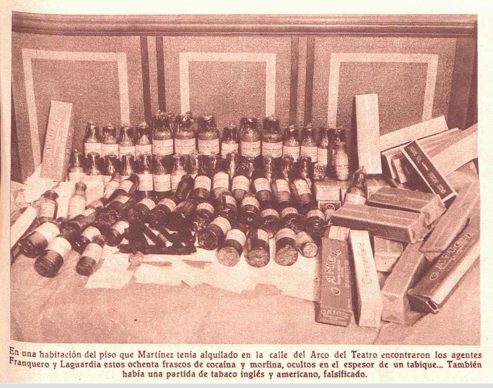 Sustancias requisadas. Frascos de cocaína y morfina ( Crónica , 27 de octubre de 1935)