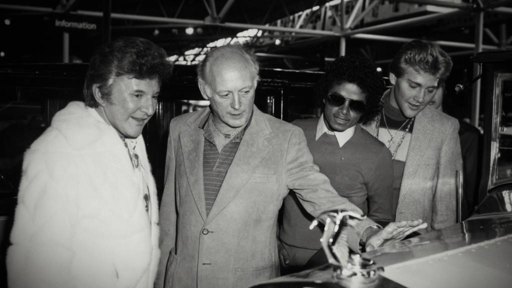 Montagu, años después, junto a Michael Jackson
