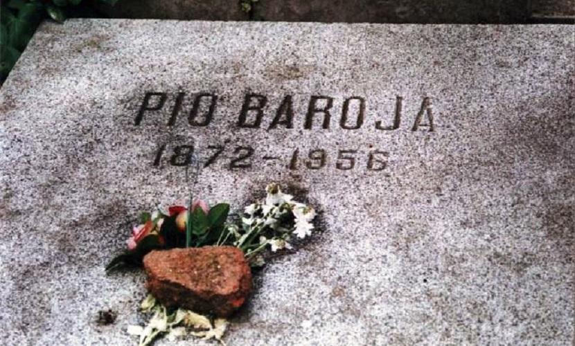 Tumba de Baroja en el Cementerio Civil de Madrid