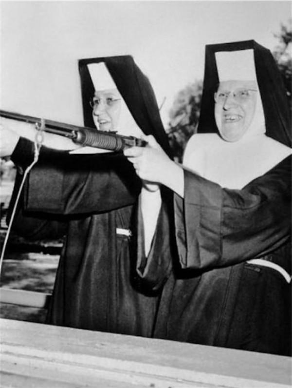 Tercera de las fotografías de las hermanas de la Divina Providencia