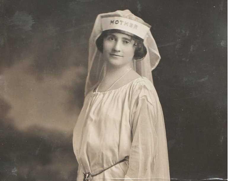 Mother Counselor, líder de la LOTIE