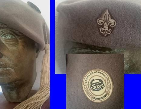 Gorra de un requeté carlista. En el interior puede verse la etiqueta de Brave