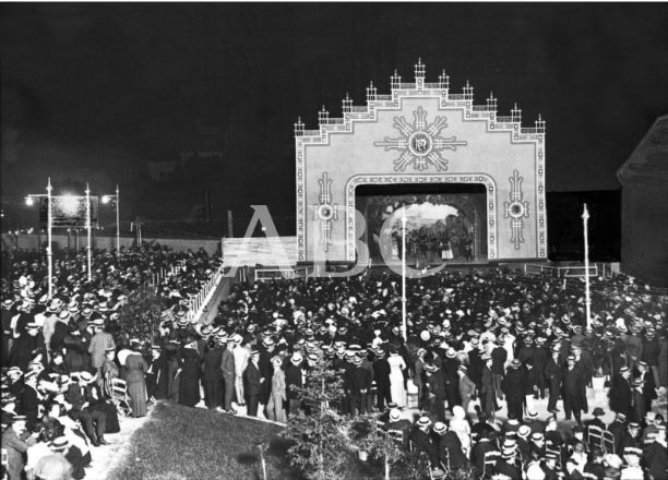 Uno de los escenario del Magic Park (1915) en una noticia publicada en  ABC