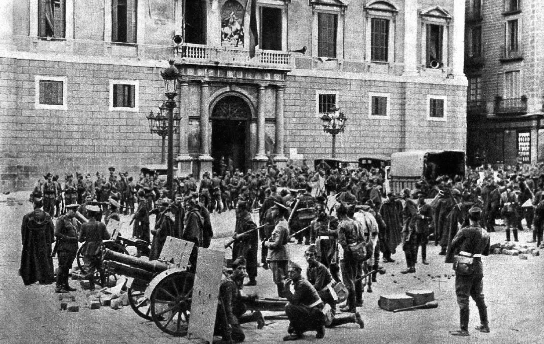 Las tropas españolas frente a La Generalitat tras la rendición