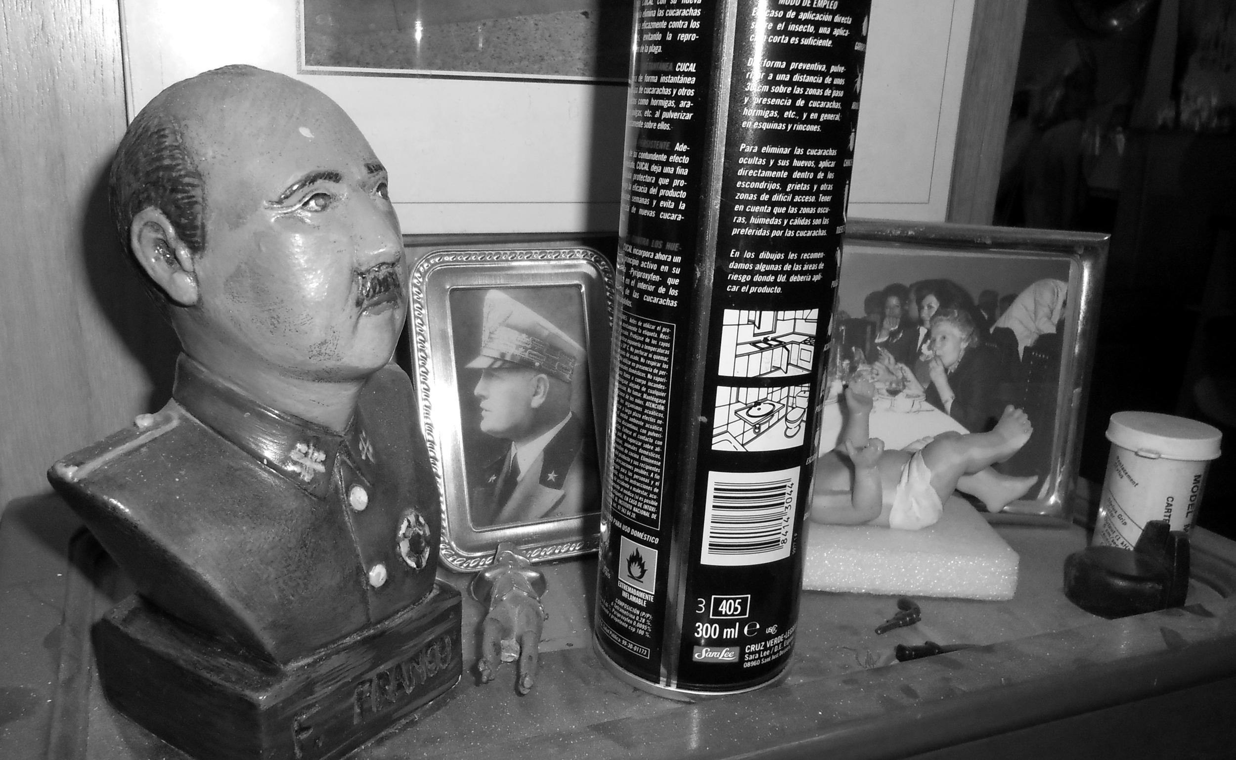 Franco, matarratas y Mussolini. ¡Ah! Y rock and roll...