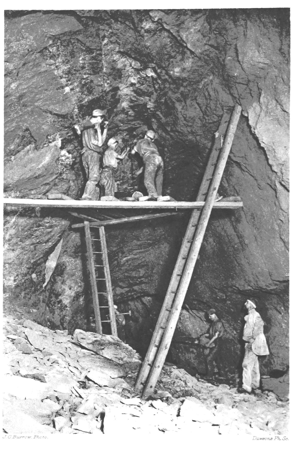 En la imagen superior, mineros de Pensilvania de la época.