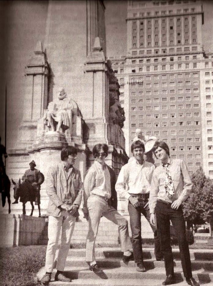 The Kinks en la Plaza de España de Madrid (1966)