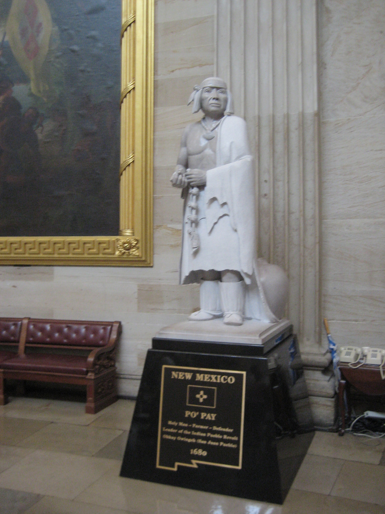 Escultura dedicada a Popé