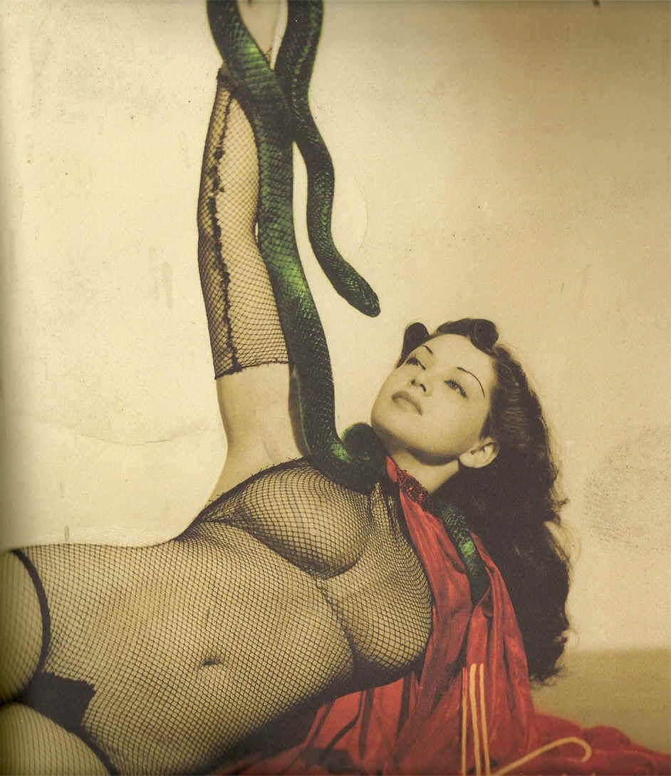 Zorita burlesque dancer 1940's 7.jpg