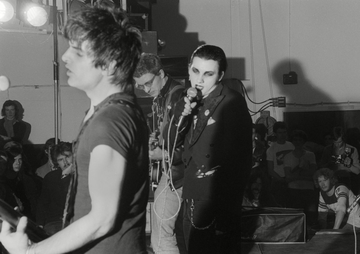 The Damned, Anarchy Tour, Leeds (Brian James, Dave Vanian y Captain Sensible)
