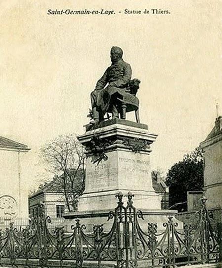 Estatua de Thiers contra la que atentó el Comité Revolucionario Francés