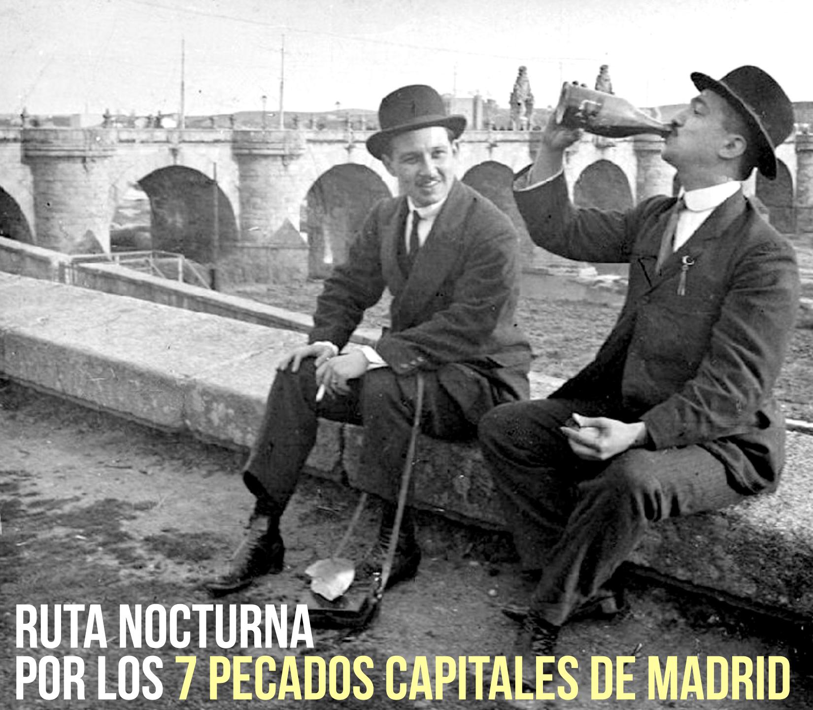 dos hombres beben junto al puente de toledo (1910)