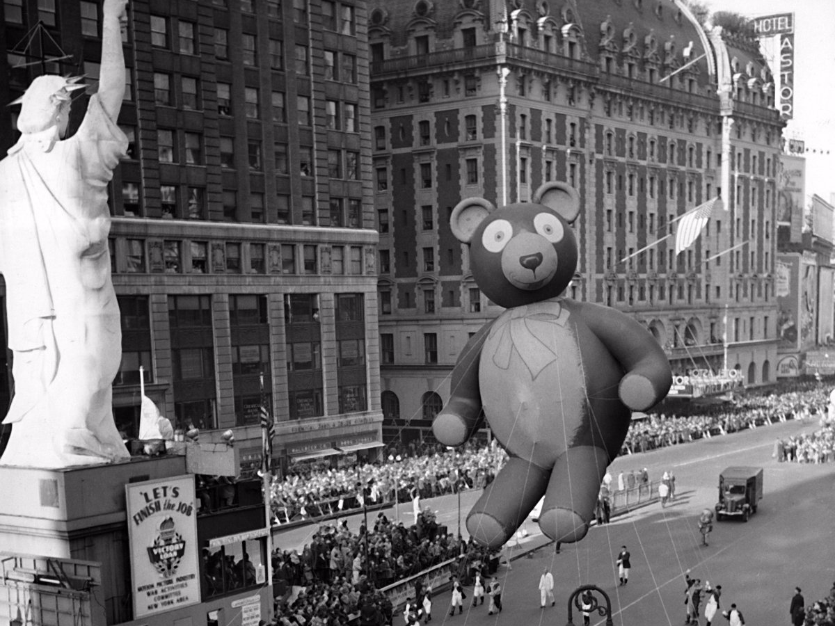 the-parade-was-also-originally-called-the-macys-christmas-parade-but-was-renamed-the-macys-thanksgiving-day-parade-in-1927.jpg