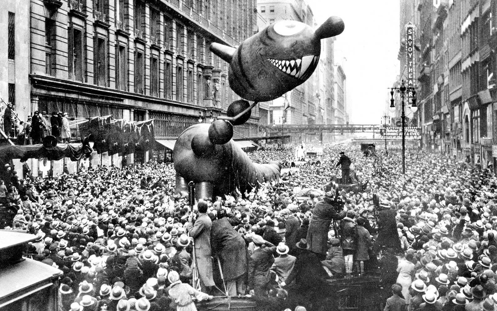 dragon-float-1931-TDAYPARADE1116.jpg
