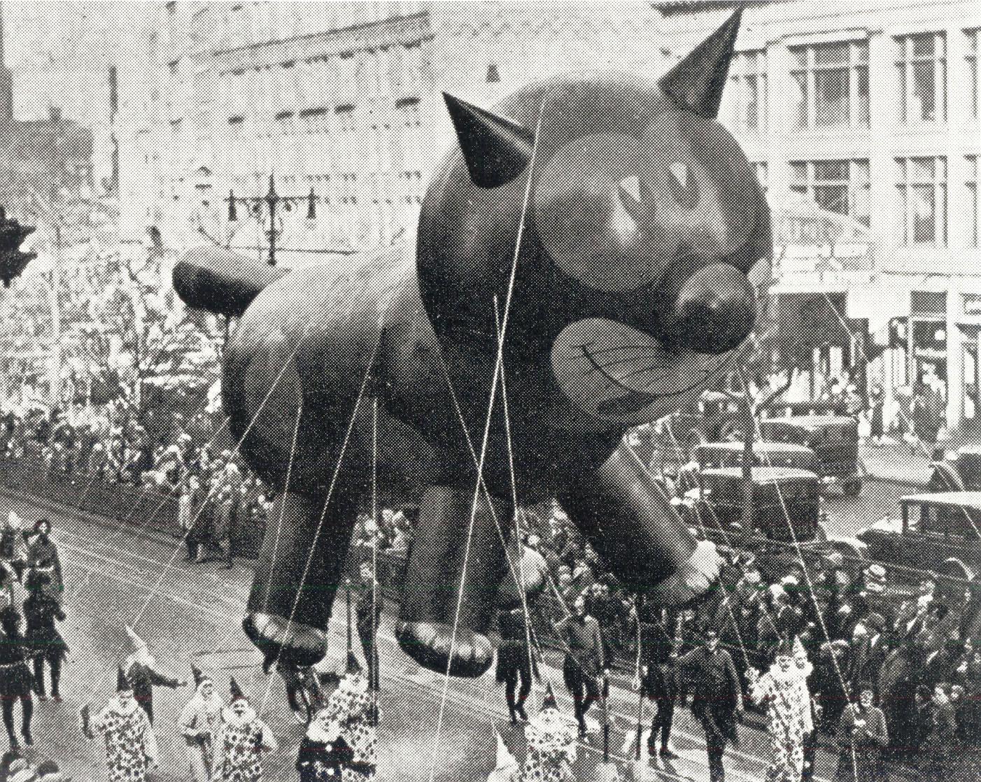 1927-Macys-Thanksgiving-Day-Parade-Felix-the-Cat.jpg