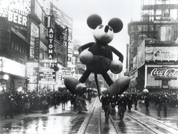 1934-Macys-Thanksgiving-Day-Parade-Mickey-Mouse.jpg