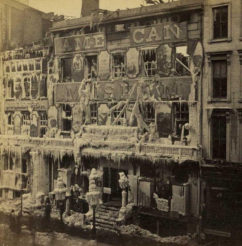El edificio tras el pavoroso incendio que lo destruyó