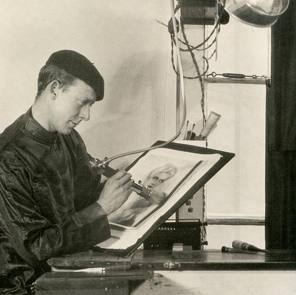 Mortensen en su estudio
