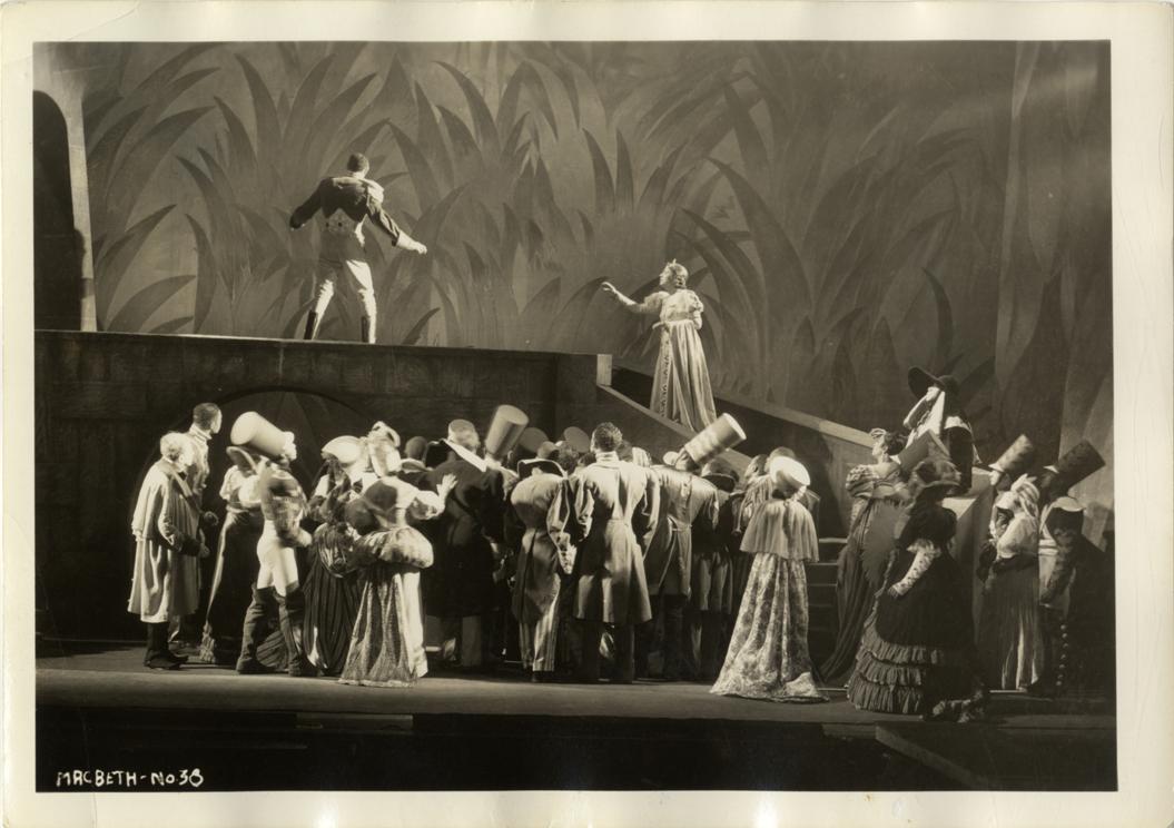 Los actores y actrices durante el estreno de   Voodoo Macbeth