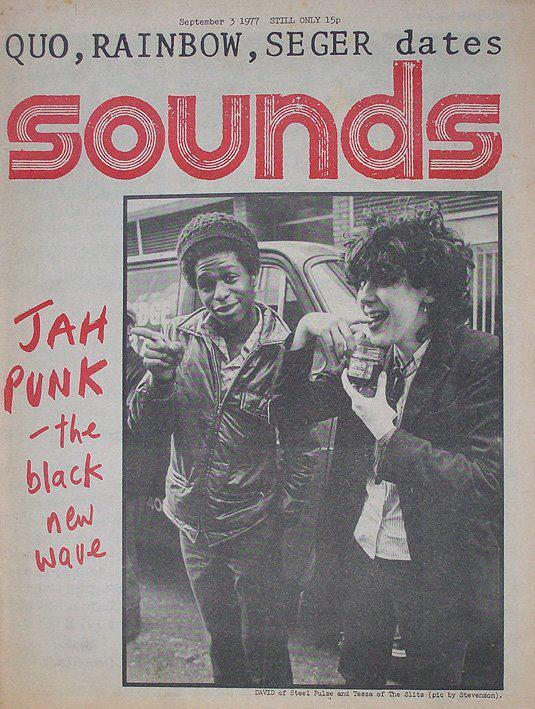 «Jah punk» en  Sounds . David Steel, de Steel Pulse, junto a Tessa Pollitt, una de las integrante de The Slits