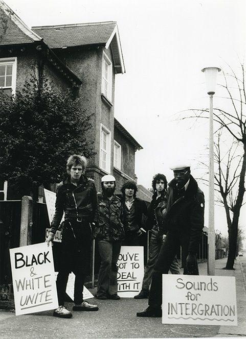 The Clash y Steel Pulse durante una protesta de RAR