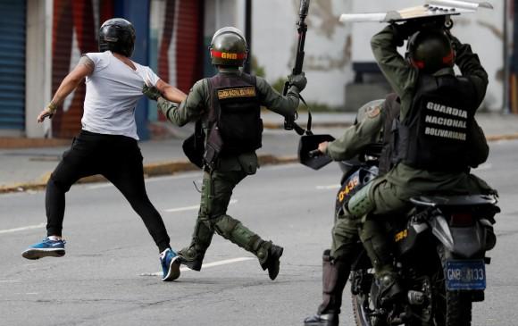 Represión en a manos de la Guardia Nacional. Fotografía: Reuters