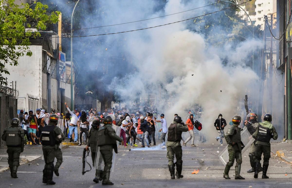 Disturbios en las calles. Fotografía: AFP