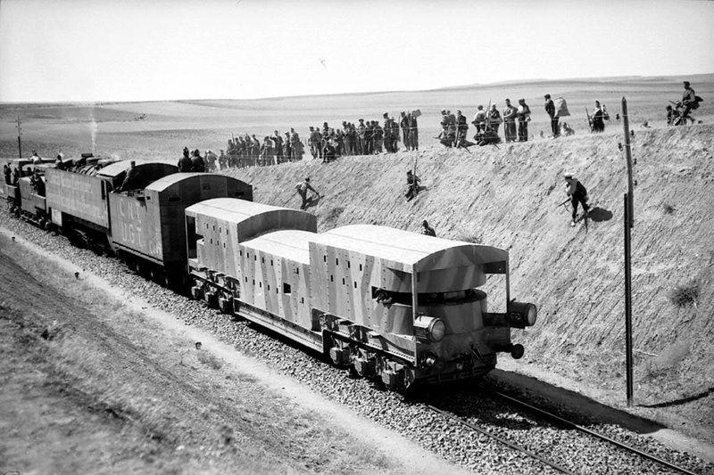 Tren blindado UGT / CNT