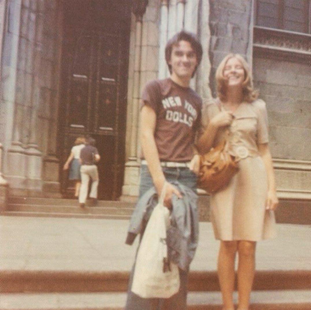Morrissey, alrededor de 1976, con una camiseta de los New York Dolls