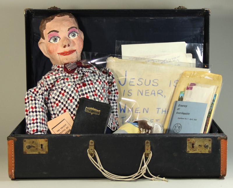 Muñecos y material de ventriloquía de Katheryn Rea