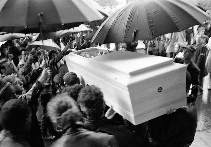 Varios momentos del funeral. Fotografías: Stephen Barker