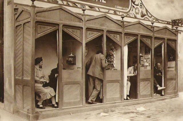Casetas de memorialistas (Cuesta del Moyano, Madrid)