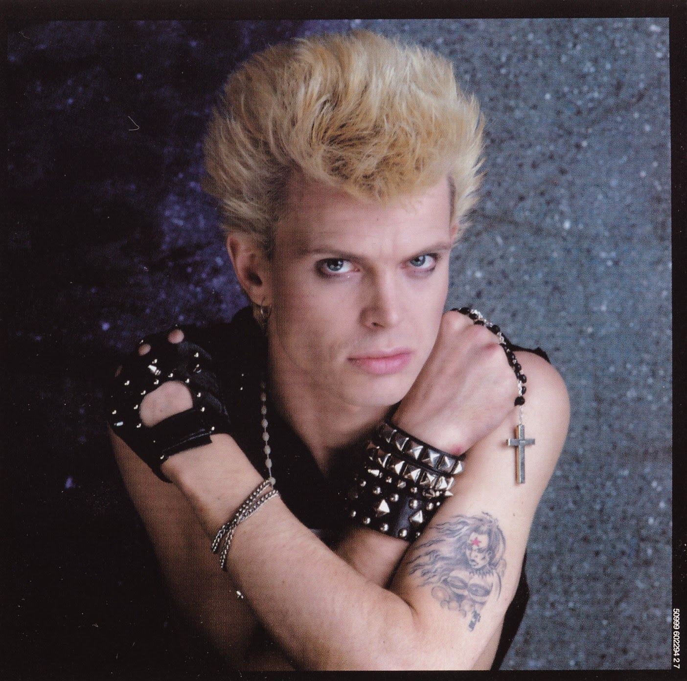 Billy Idol y su tatuaje de Octobriana