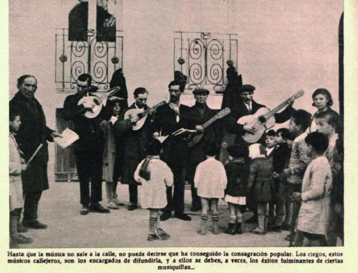Una banda de músicos ciegos interpretando las futuras canciones de éxito ( Crónica , marzo de 1931)