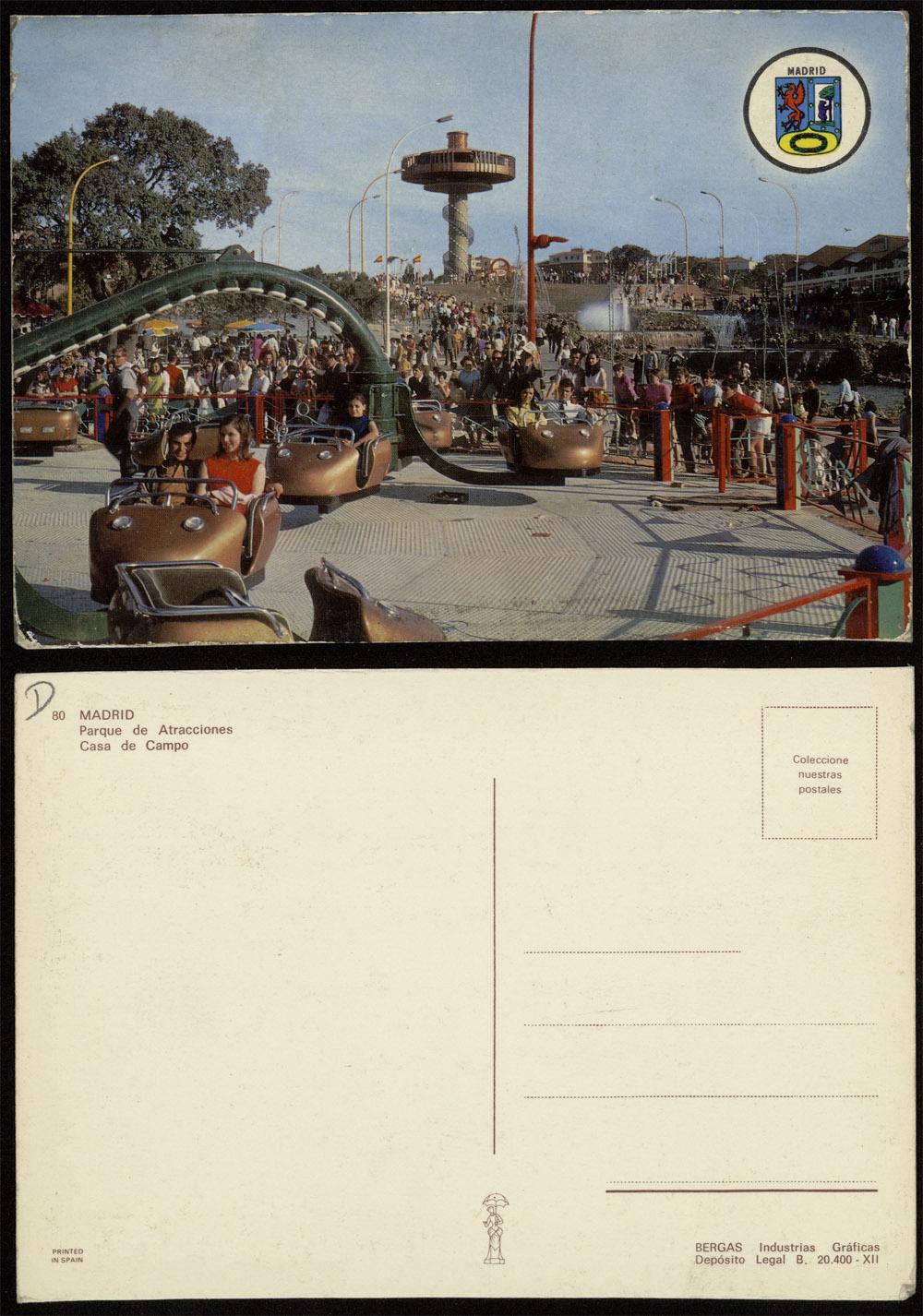 Postal del Parque de Atracciones y, al fondo, el Platillo Volante