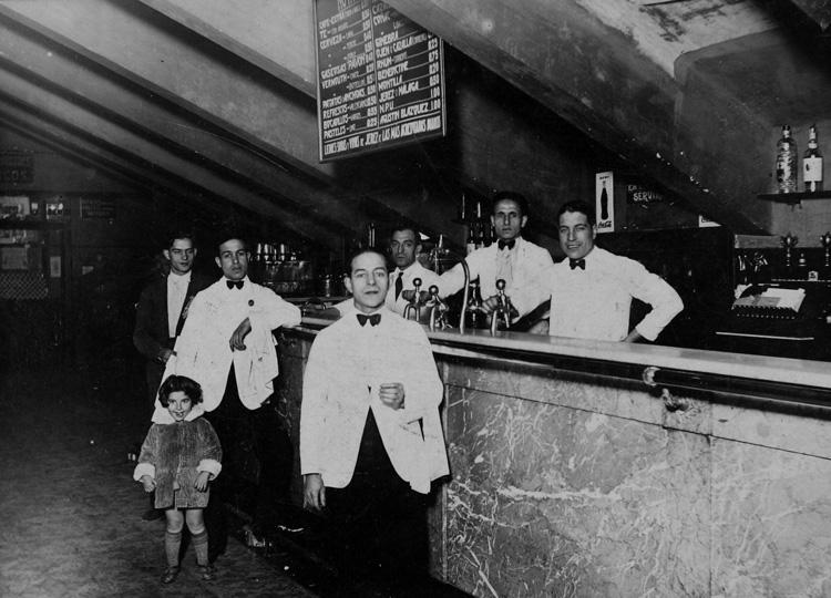 Bar Pavón de Madrid (1939). Fotografía: Archivo Regional de la Comunidad de Madrid.