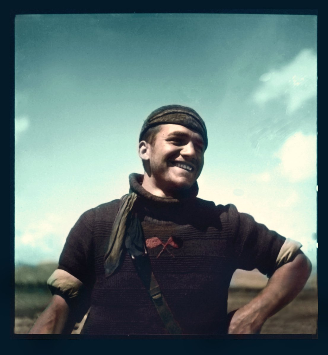 1937-38, Miliciano anarquista de la Columna Ascaso en el Frente de Aragón. Archivo Memoria Histórica. Coloreada. Colorized. Kati Horna en España