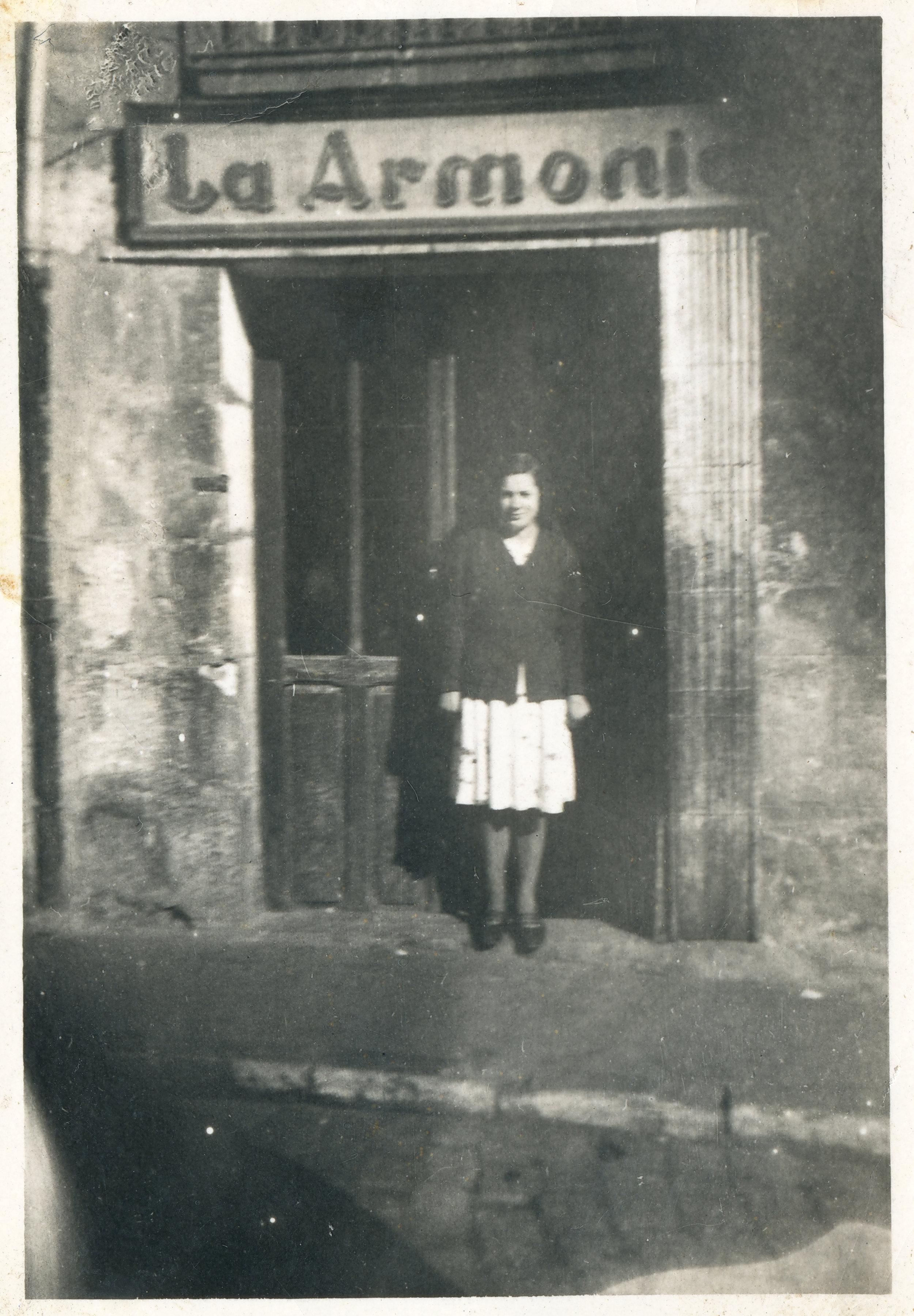 Bar La Armonía, que estaba situado en la calle Fernán González de Burgos (1955). Fotografía: Ayto. de Burgos