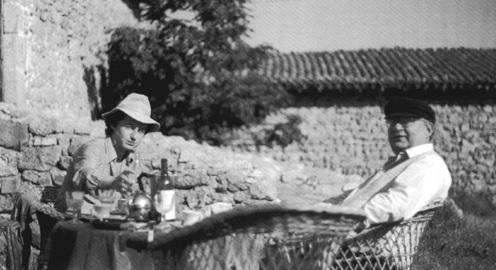 Debord, en una de sus últimas fotografías, junto a Jean-Francois Martos a comienzos de los noventa