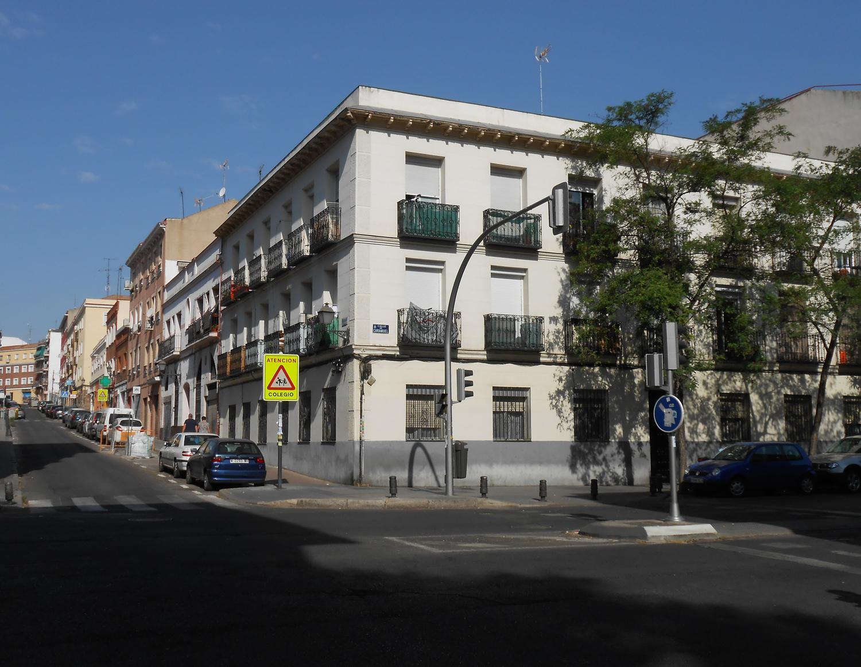El edificio del número 22 de la calle Caramuel. Fotografía: El autor