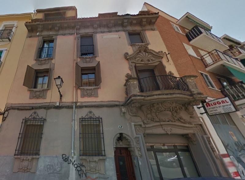 El bello edificio modernista del número 47 de Grandeza Española. Fotografía: Foro del Viejo Madrid