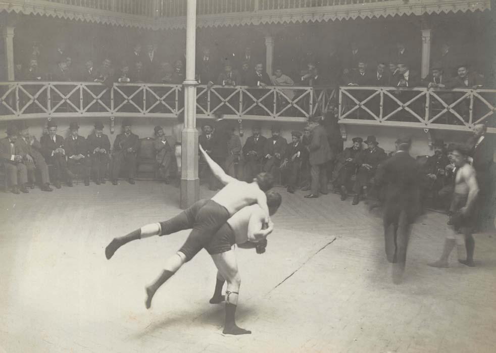 Lucha grecorromana (Bercelona, 1910). AFB. Fotografía: F. Ballell